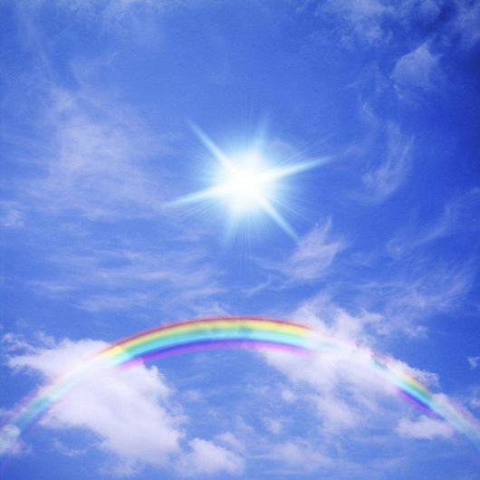 阳光下有彩虹